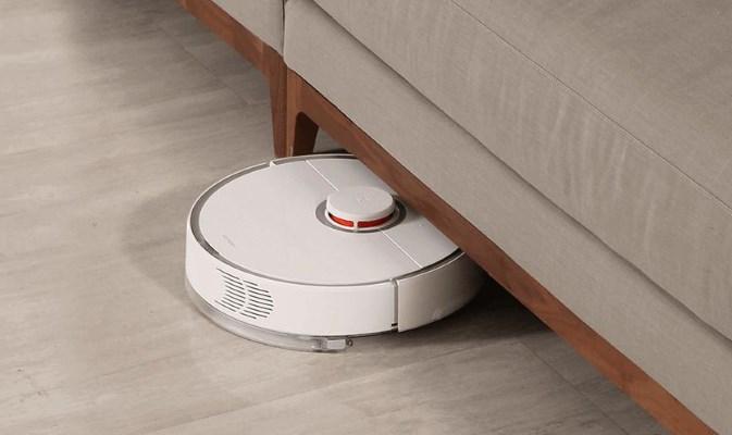 Сяоми робот-пылесос в действии