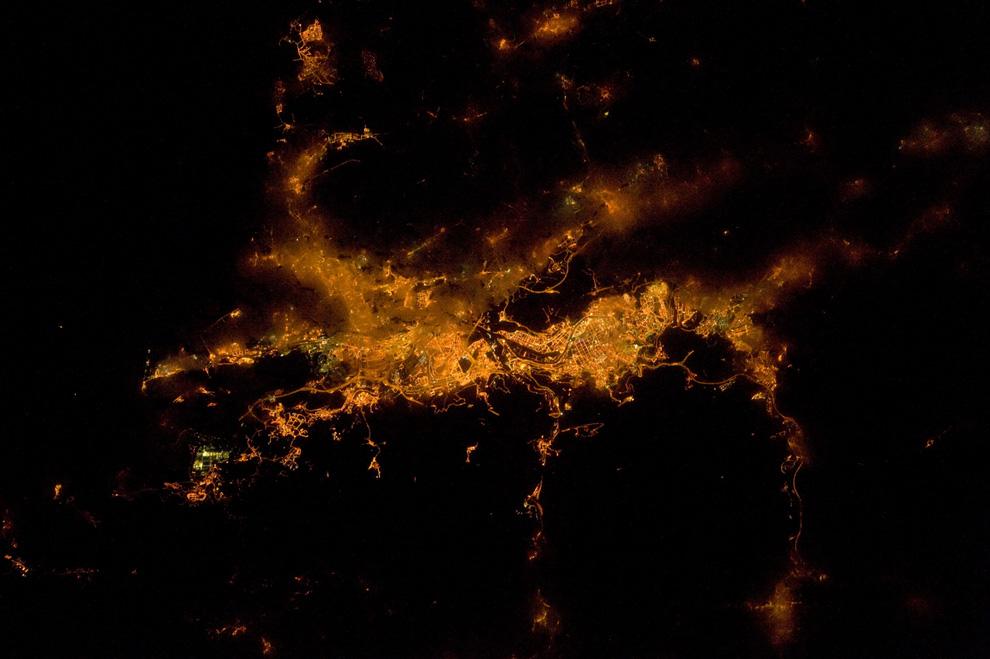 Бильбао ночью из космоса