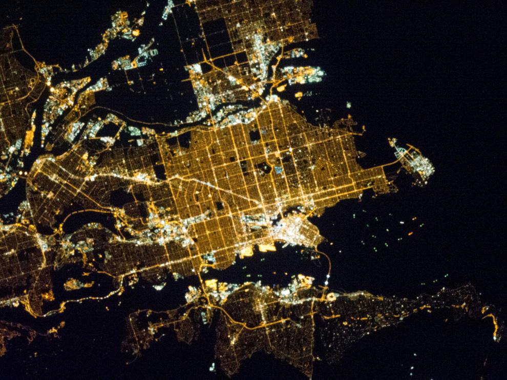 Ванкувер ночью из космоса