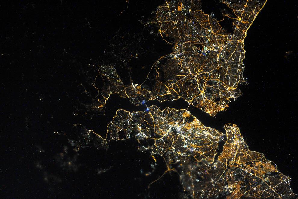 Стамбул ночью из космоса