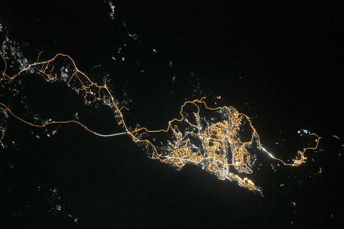 Владивосток ночью из космоса
