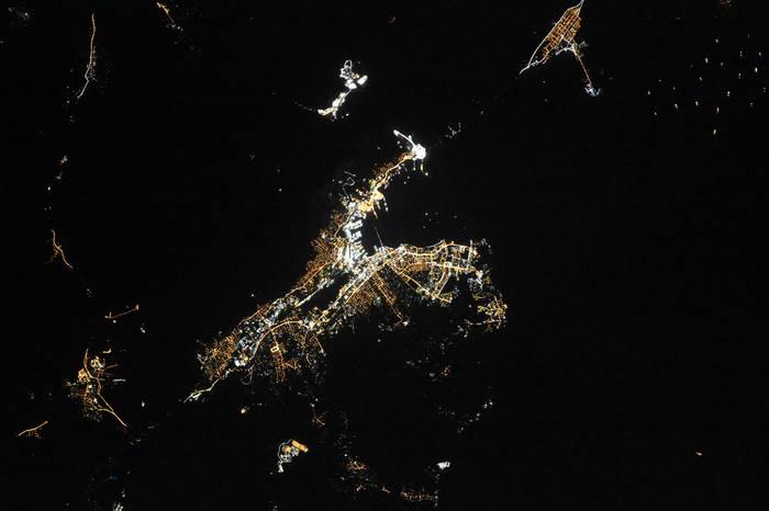 Новороссийск ночью из космоса