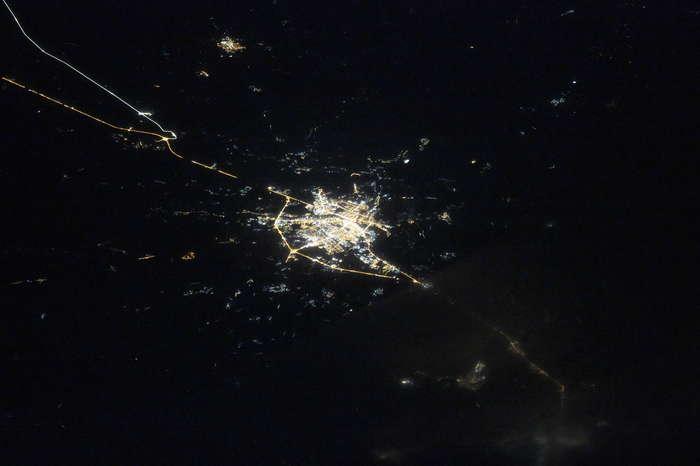 Тверь ночью из космоса