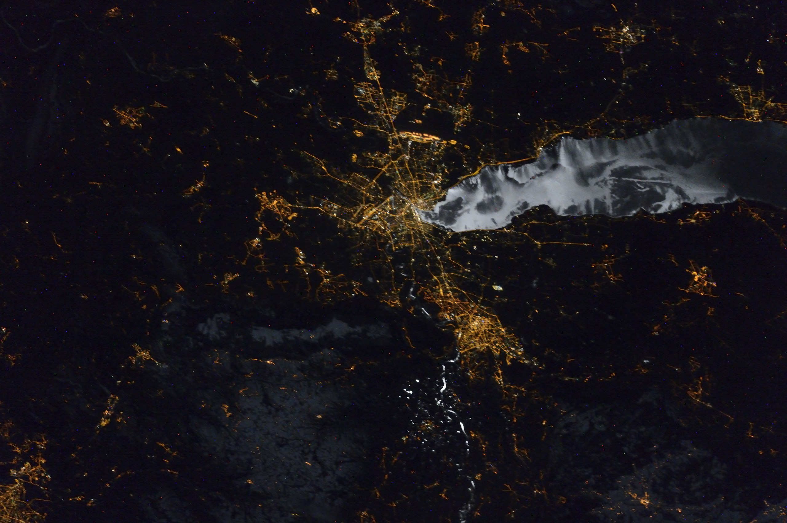Женева ночью из космоса