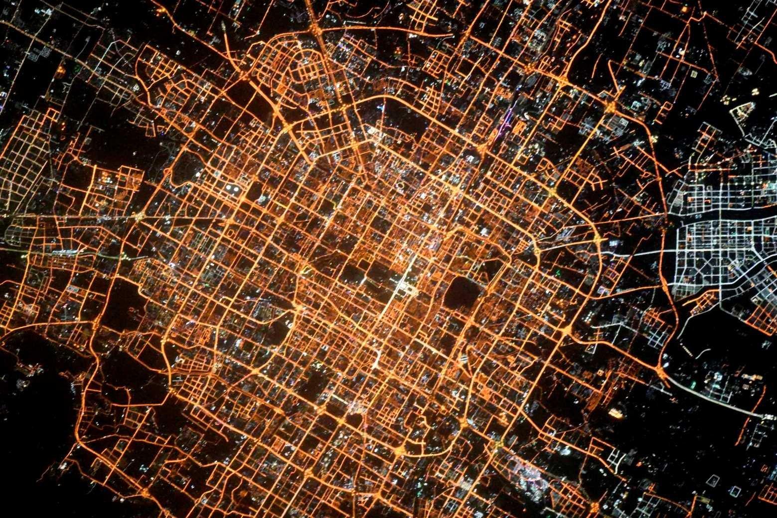 Пекин ночью из космоса